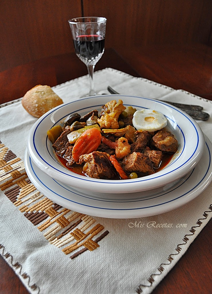 Beef stew with vegetable stew