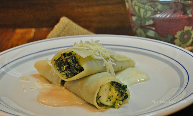 Spinach and tuna cannelloni
