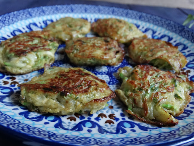 Zucchini fritters with aromatic